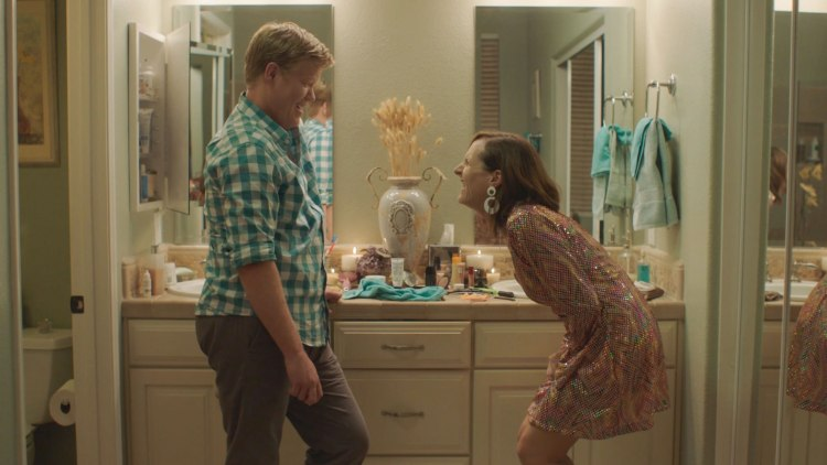 other-people-jesse-plemons-molly-shannon